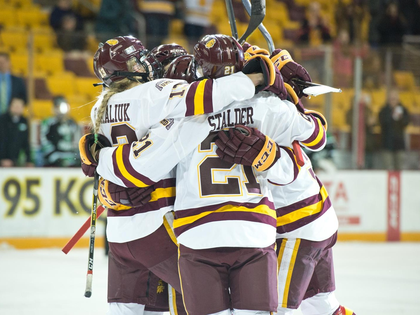 2e9ba3b9200 WIN AND IN: NO. 3 UMD TO HOST NO. 5 MINNESOTA IN NCAA QUARTERFINALS ...